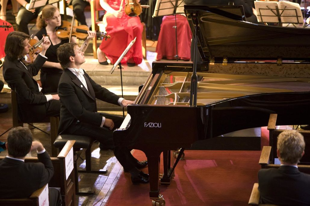Marc Corbett-Weaver,soloist in Rachmaninov piano concerto no 2
